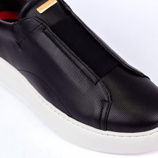 ECLIPSE Slip-On Sneaker