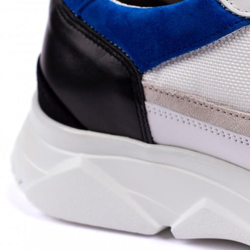 CITY RUN Chunky Sneakers