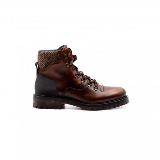 AKITA Hiking Boots